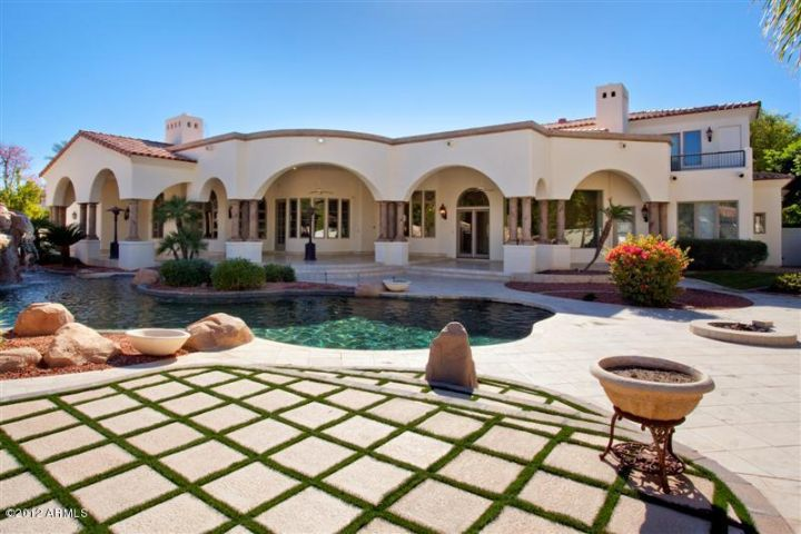 Playboy Mansion Backyard : Tour 27 Million Dollar Paradise Valley Own PlayBoy Mansion W Grotto