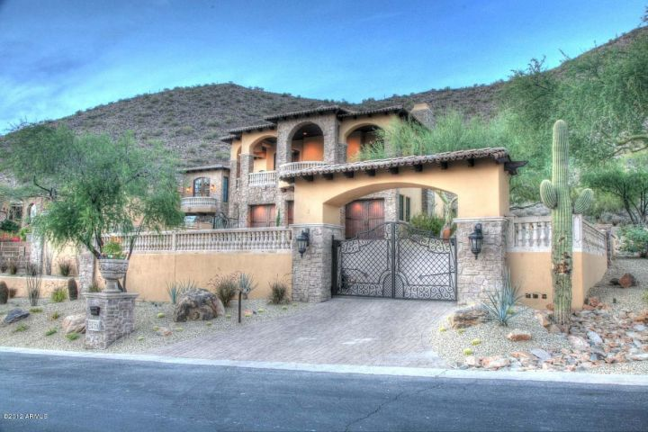 Welcome to italy no its scottsdale 2 3m tuscan villa mansion top of the mountain in ancala for Exterior painting scottsdale az