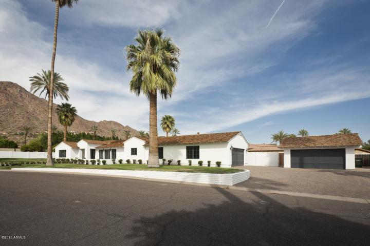 4631 N Royal Palm CIR Phoenix, AZ 85018