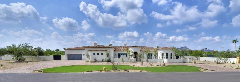 6735 E Fanfol DR Paradise Valley, AZ 85253
