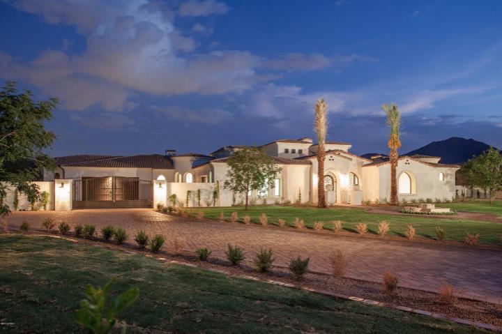 6697 E CACTUS WREN RD Paradise Valley, AZ 85253