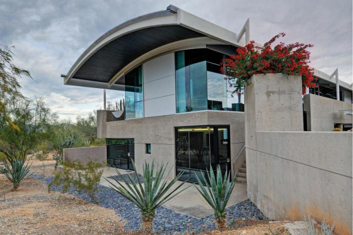 Paradise Valley Glass Box 24