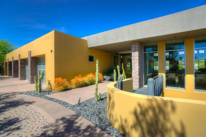 4426 N LOS VECINOS DR Phoenix, AZ 85018