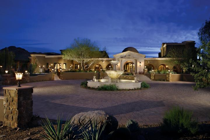 A Full-Service, Luxury Real Estate and Lifestyle Boutique