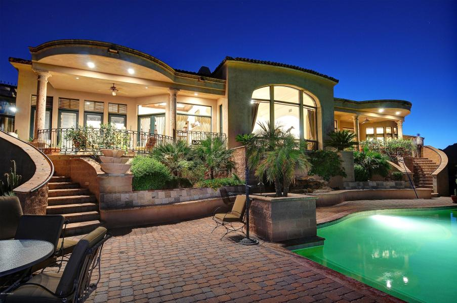 A Full Service Luxury Real Estate and Lifestyle Boutique + Blog