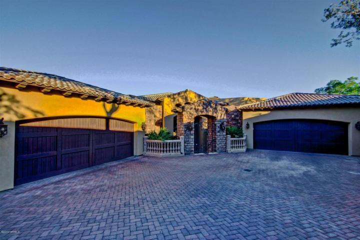 1710 E TAPESTRY HTS Phoenix, AZ 85048