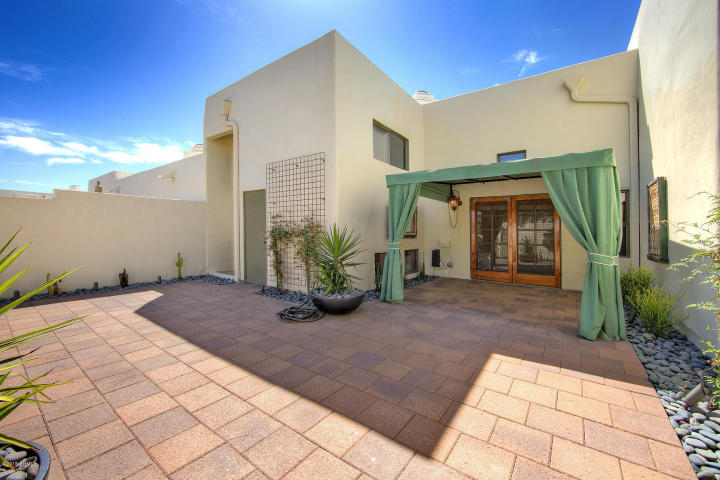 Casa Blanca Paradise Valley  Contemporary Chic Style Townhouse 10