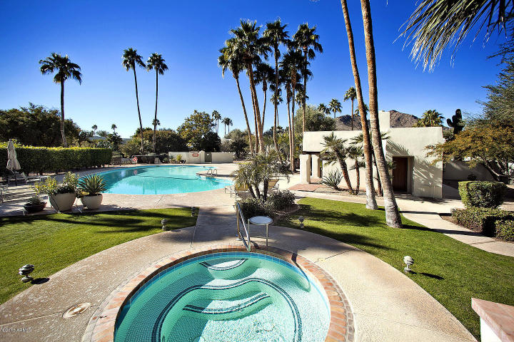 Casa Blanca Paradise Valley  Contemporary Chic Style Townhouse 17