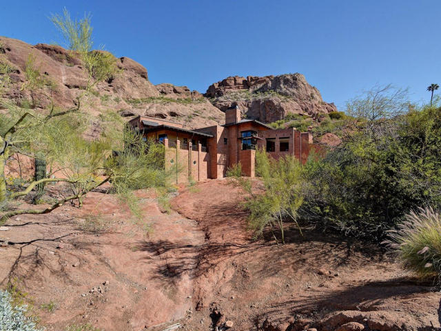 When homes blend in with nature Arcadia AZ 1