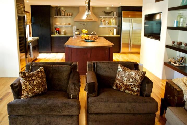 $1.2M Remodeled Cuernavaca Scottsdale Townhome 5