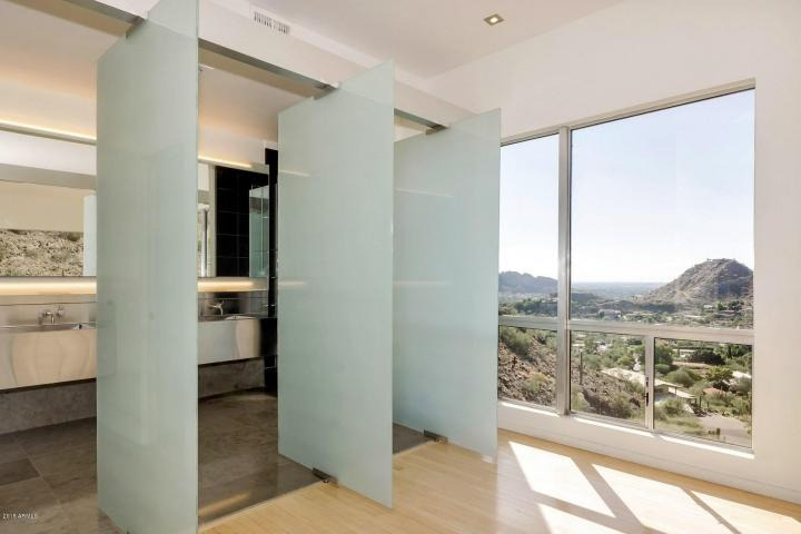 Redesigned Modernistic home with stunning views up for grabs at $1.675 Million 14