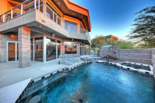 Feast your eyes on this modern masterpiece from the hillside of Squaw Peak 1