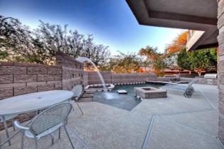 Feast your eyes on this modern masterpiece from the hillside of Squaw Peak 6