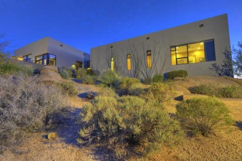 Just a couple of cool bachelor pads on fleek in the Desert 1