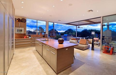 Just a couple of cool bachelor pads on fleek in the Desert a5