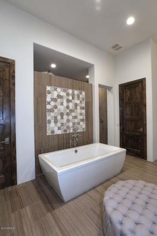 New Modern-Day Luxury in Peoria, Arizona 10