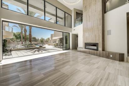Shiny new modern crib in PV comes with its own espresso-coffee maker 4
