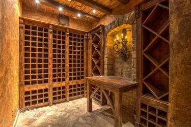 Exquisite baller estate with Indoor Basketball Court trying to bank $3.4 Million 15
