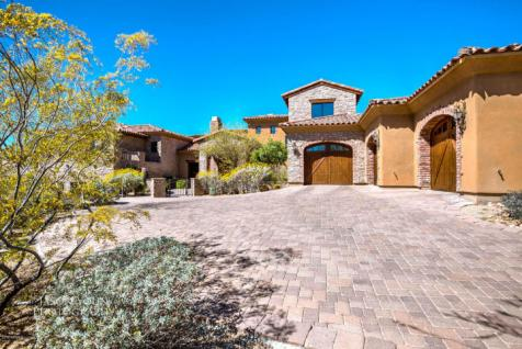 Exquisite baller estate with Indoor Basketball Court trying to bank $3.4 Million 26