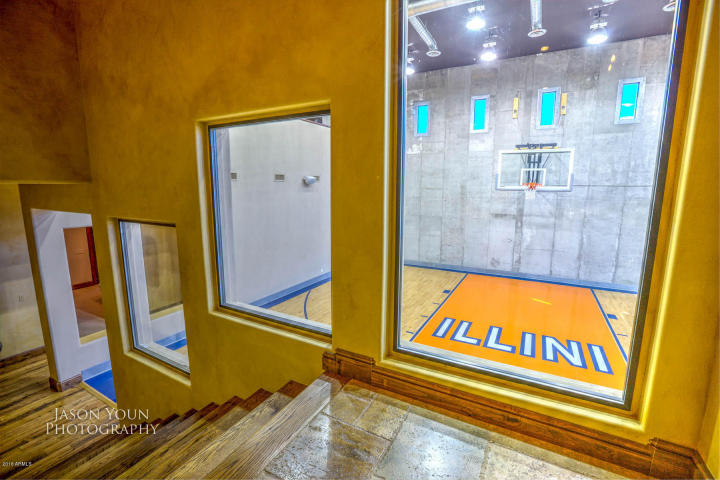 Exquisite baller estate with Indoor Basketball Court trying to bank ...