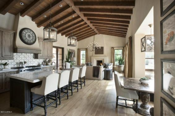 Sales of Luxury Real Estate in the Scottsdale-Phoenix-Paradise Valley market for March 2016 topped out at $4.1 million 4