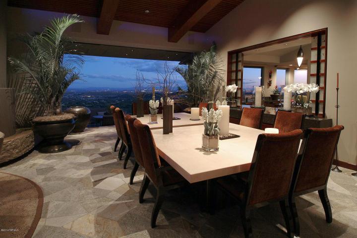A Dramatic Circular Home Overlooking the Tucson Desert & Skyline 3