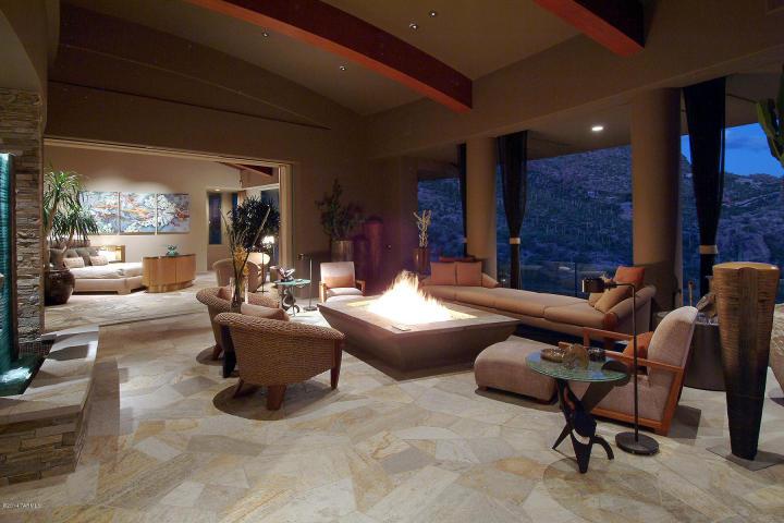 A Dramatic Circular Home Overlooking the Tucson Desert & Skyline 8