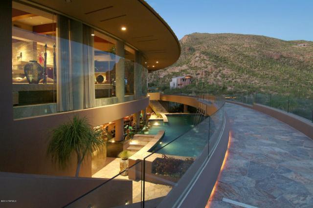 A Dramatic Circular Home Overlooking the Tucson Desert & Skyline