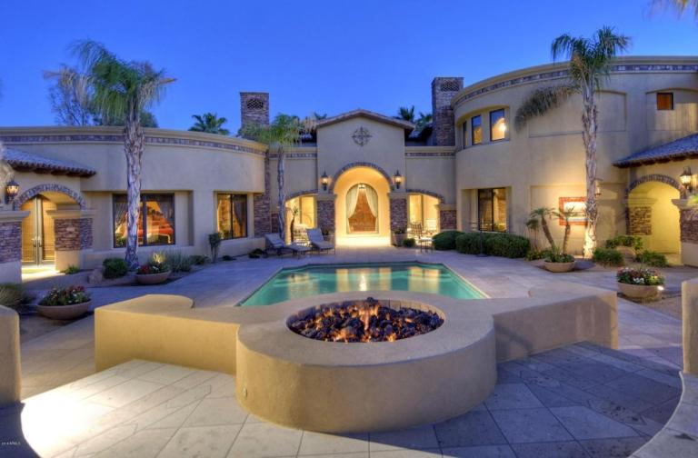 Elegant Spanish Mediterranean Paradise Valley estate with old world charm heads to auction May 26th 2016 11