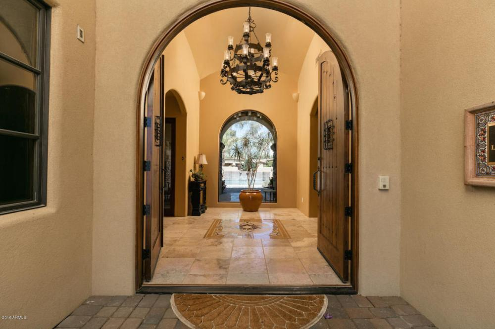 Elegant Spanish Mediterranean Paradise Valley estate with old world charm heads to auction May 26th 2016 2