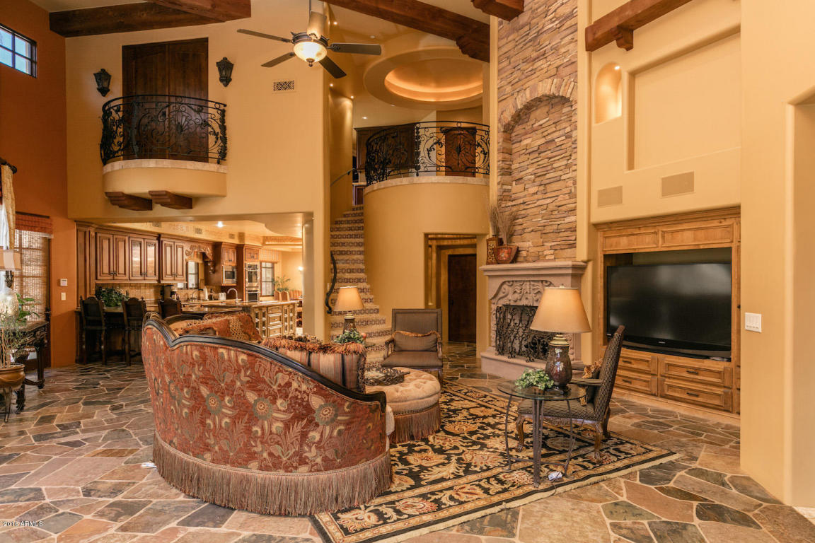 Elegant Spanish Mediterranean Paradise Valley estate with old world charm heads to auction May 26th 2016 4