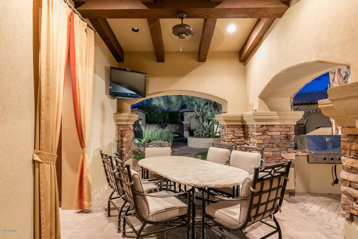 Elegant Spanish Mediterranean Paradise Valley estate with old world charm heads to auction May 26th 2016 9