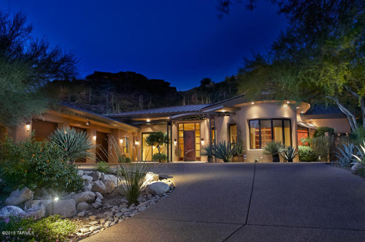 Steady 109 Luxury homes sold in the Valley of the Sun in April 2016 1