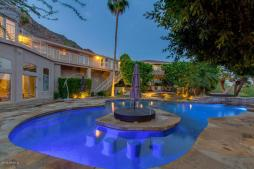 Phoenix house sitting on the South slope of Camelback Mountain 25