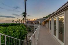 Phoenix house sitting on the South slope of Camelback Mountain 32