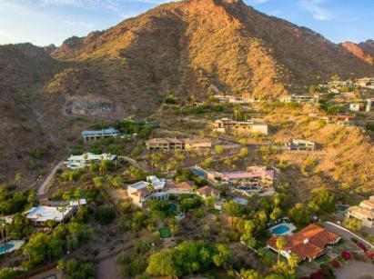 Phoenix house sitting on the South slope of Camelback Mountain 8