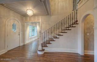 1923 two-story Colonial Revival 4