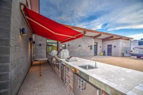 Cave Creek Contemporary Ranch with its own Margarita Station 2