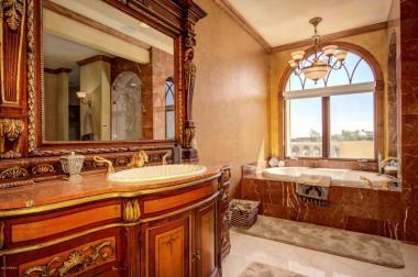 one-of-a-kind-renaissance-style-casa-with-northern-italian-decor-old-world-charm-12
