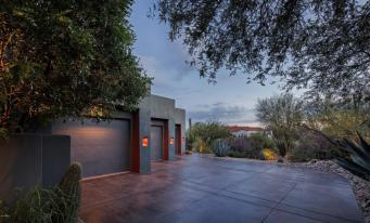 pinnacle-peak-vistas-2-2-contemporary-with-sleek-lines-captures-the-allure-of-the-sonoran-desert-5