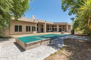 Some love and TLC will get this Scottsdale home poppin in the 85281 2
