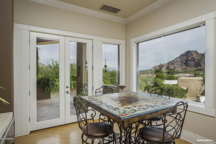 live-lavishly-for-18k-a-mo-at-this-paradise-valley-mansion-10