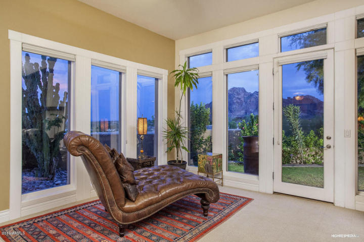 live-lavishly-for-18k-a-mo-at-this-paradise-valley-mansion-2