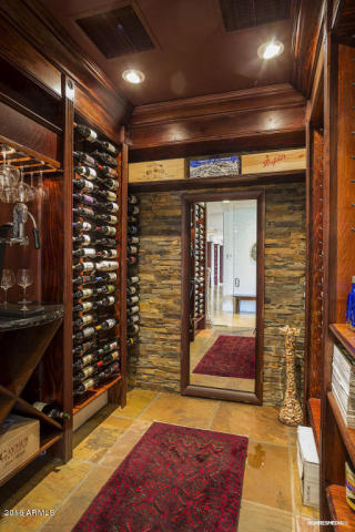 live-lavishly-for-18k-a-mo-at-this-paradise-valley-mansion-4