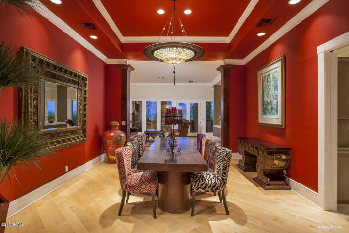 live-lavishly-for-18k-a-mo-at-this-paradise-valley-mansion-5