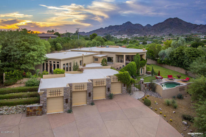 live-lavishly-for-18k-a-mo-at-this-paradise-valley-mansion-at-this-paradise-valley-mansion
