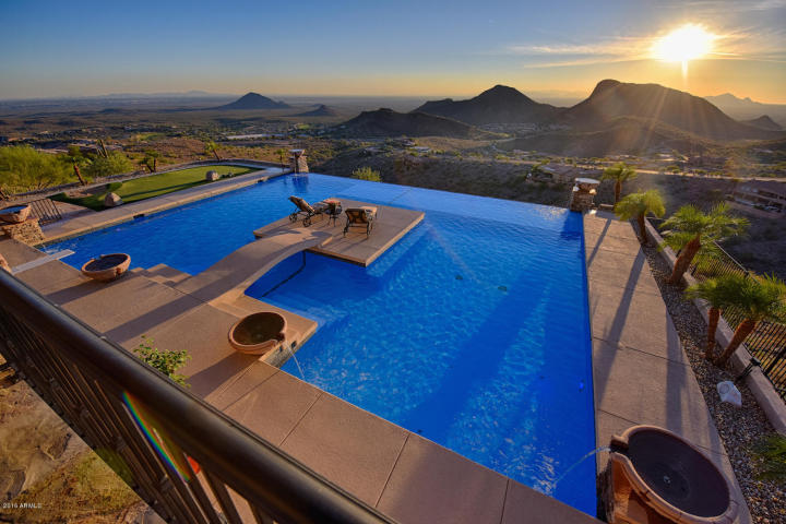 supreme-auctions-kicks-off-2017-with-viento-point-a-lavish-contemporary-in-fountain-hills-9