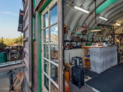 an-artist-tiny-home-built-using-some-of-arizonas-rich-history-11