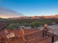 an-artist-tiny-home-built-using-some-of-arizonas-rich-history-15