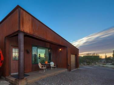 an-artist-tiny-home-built-using-some-of-arizonas-rich-history-9